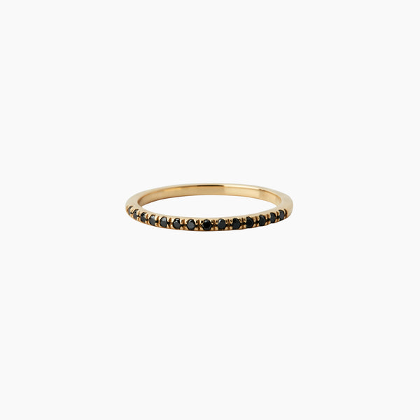 9-karat solid yellow gold ring with 11 ethically sourced beautiful diamonds