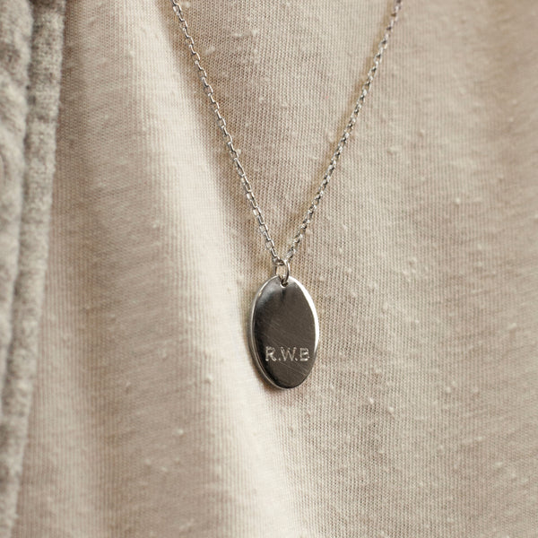 Men's Oval Pendant Necklace Silver