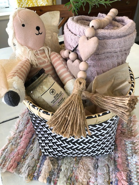 "Gift Basket - ""The New Mom"""