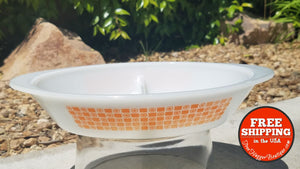 Vintage Pyrex Milkglass Divided Dish J2352 Orange/white - Home Decor