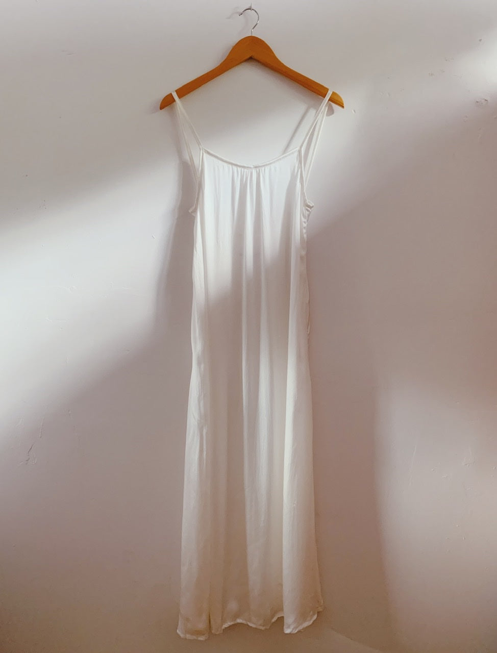 KAIONE SILK DRESS - White Sand