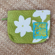 TIARE HAWAII QUILTED CLUTCH - lime