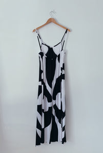 KAIONE DRESS - Pareo Black