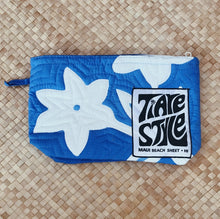 TIARE HAWAII QUILTED CLUTCH - blue