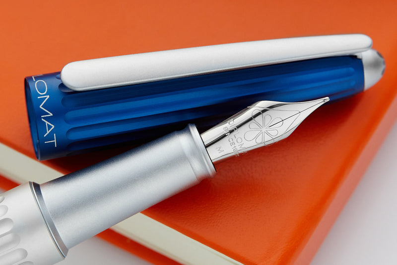 Diplomat Aero Fountain Pen - Blue/Silver