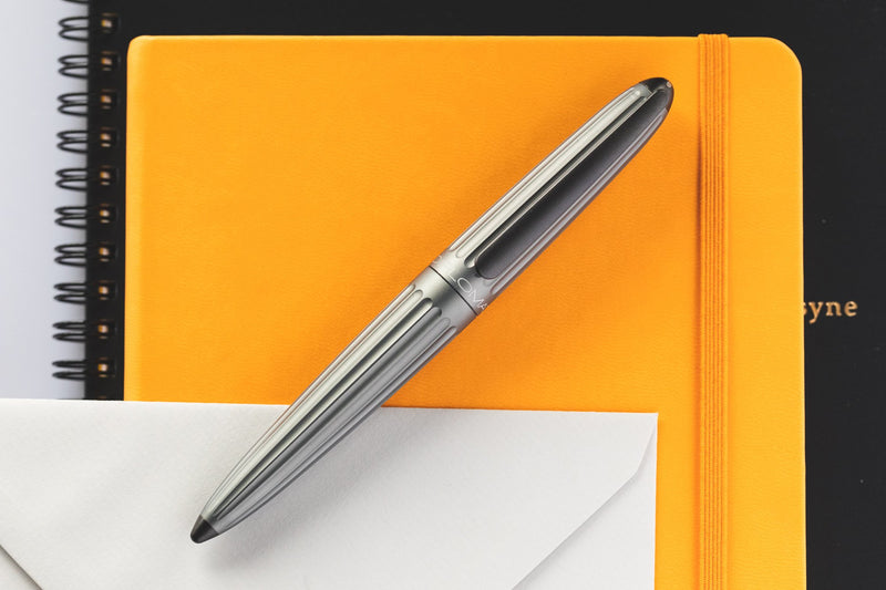 Diplomat Aero Fountain Pen - Grey