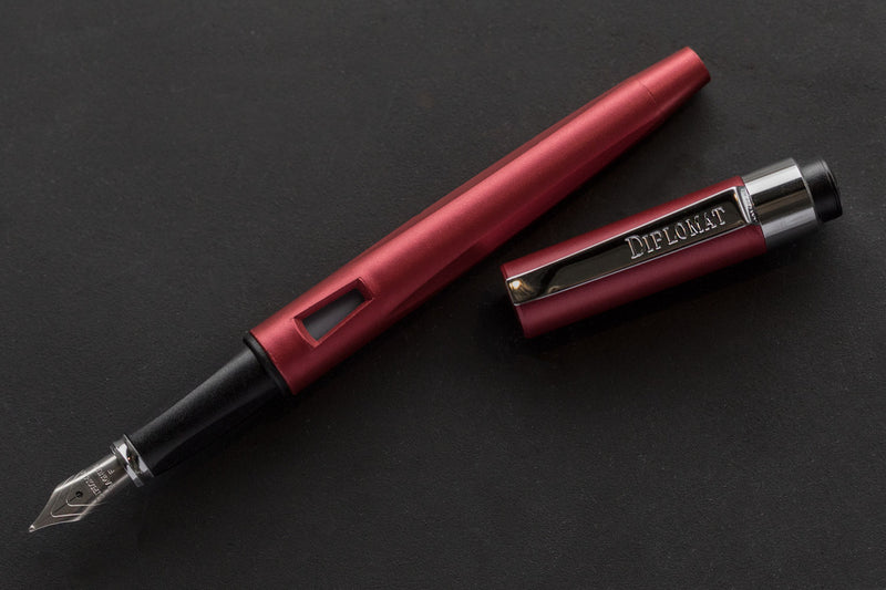 Diplomat Magnum Fountain Pen - Burned Red