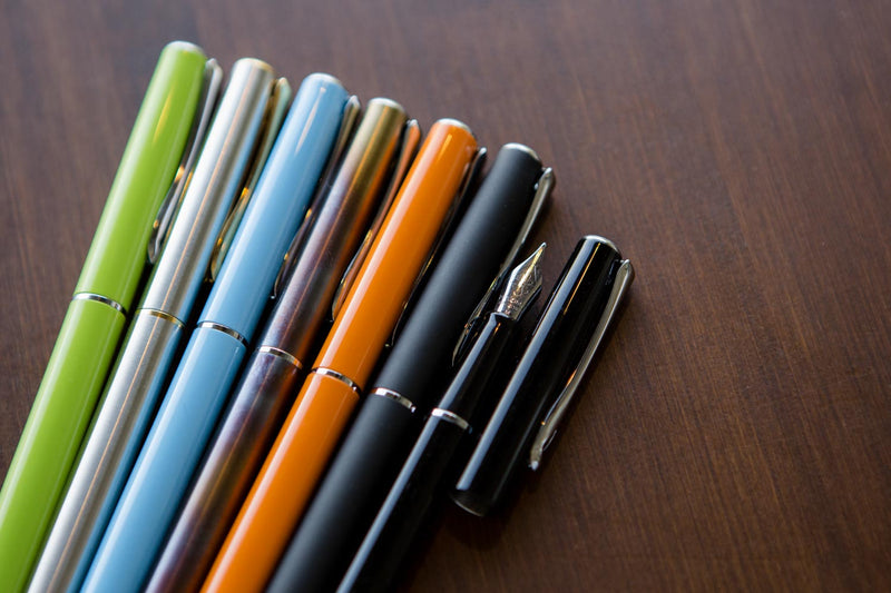 Diplomat Traveller Fountain Pen - Stainless Steel Gold