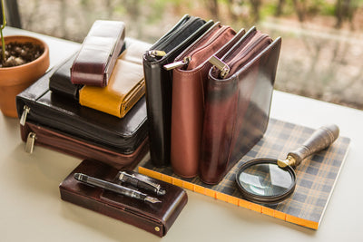 Girologio Double Magnetic Closure Pen Case - Oxblood