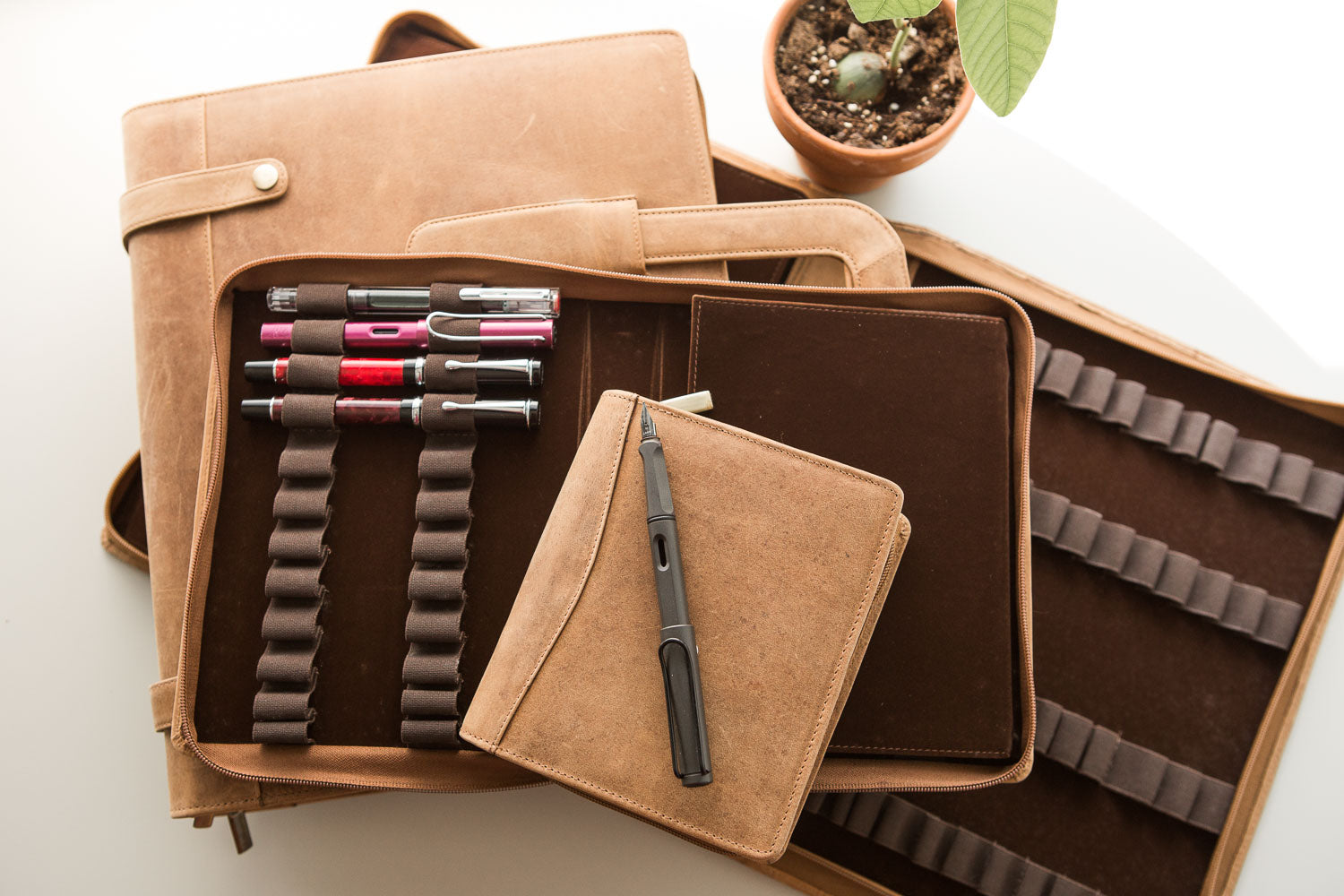 Girologio 24 Pen Case - Saddle