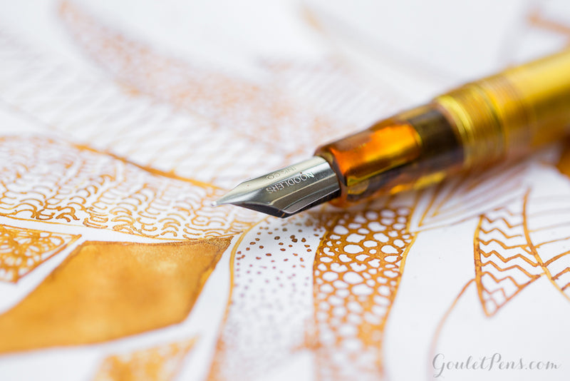 Noodler's Ahab Flex Fountain Pen - Carniolan Honey