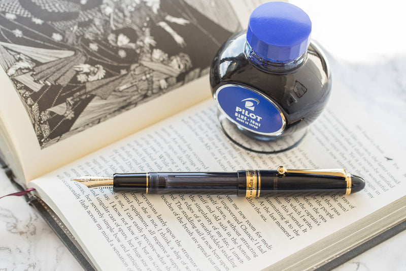 Pilot Custom 823 Fountain Pen - Smoke