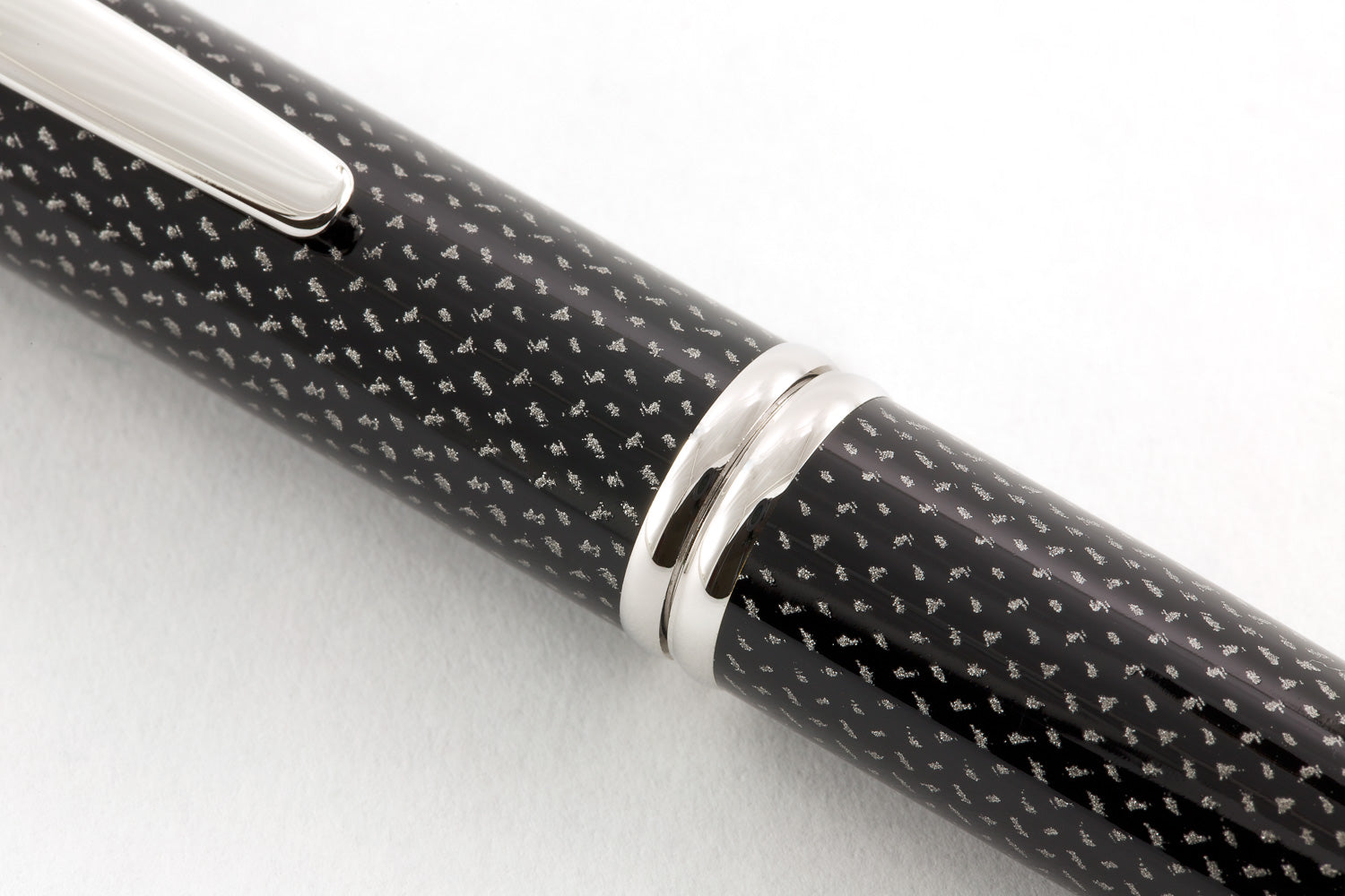 Pilot Vanishing Point Fountain Pen - Black Carbonesque
