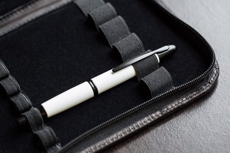 Pilot Vanishing Point Fountain Pen - White/Black