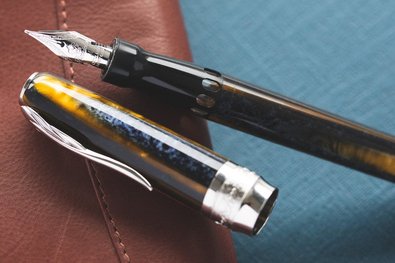 Pineider Arco Fountain Pen - Blue Bee (Limited Edition)