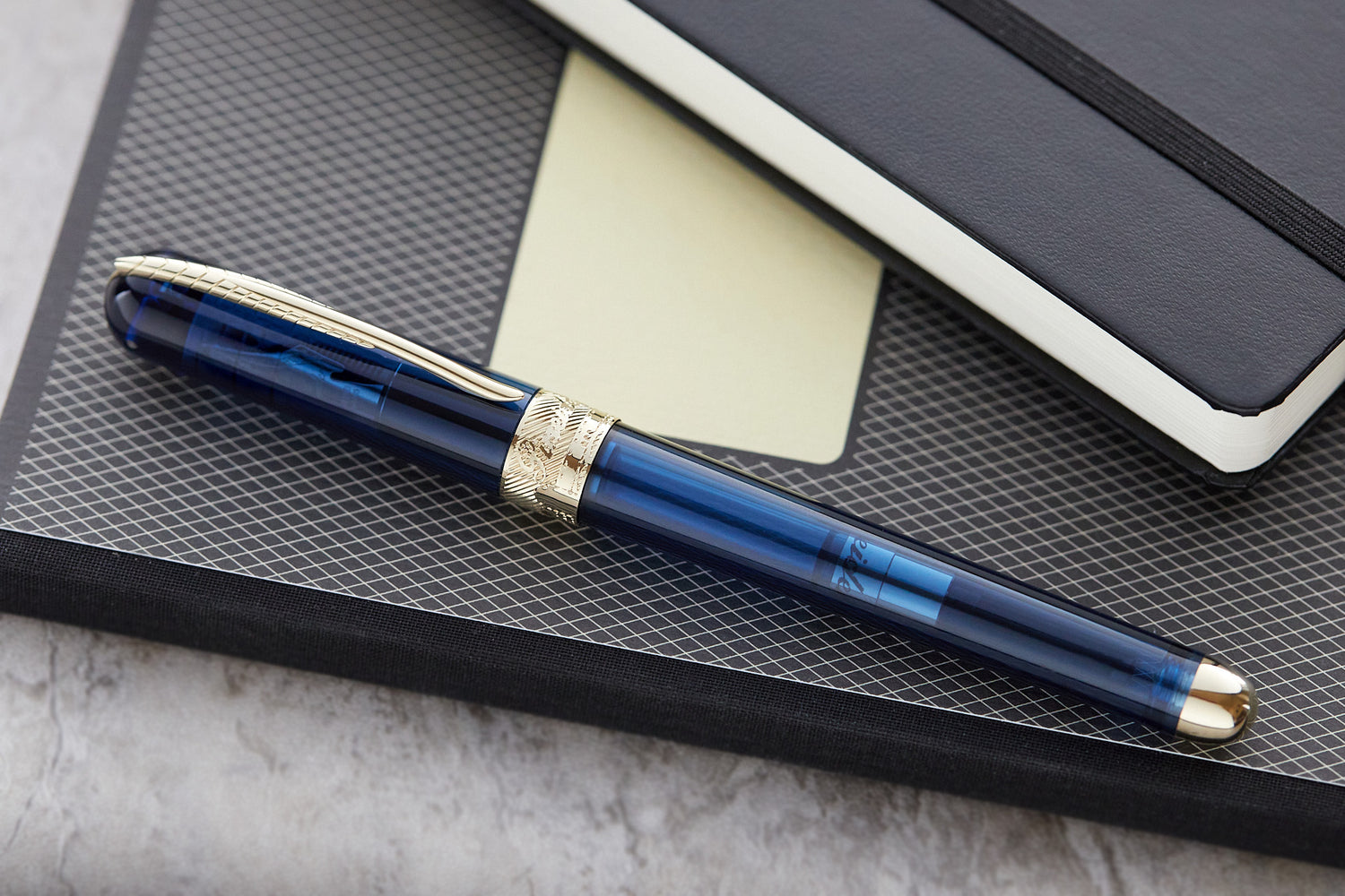 Pineider Avatar UR Deluxe Fountain Pen - Sky Blue Demo (Special Edition)
