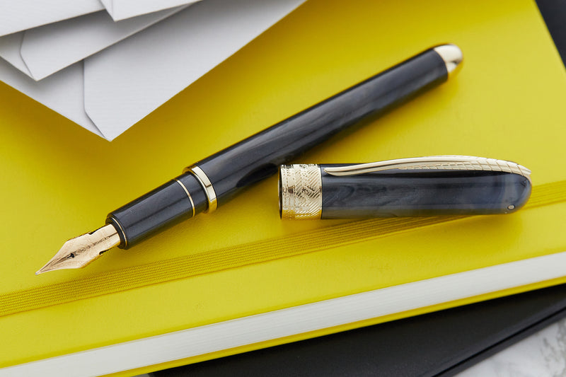 Pineider Avatar UR Deluxe Fountain Pen - Riace Bronze