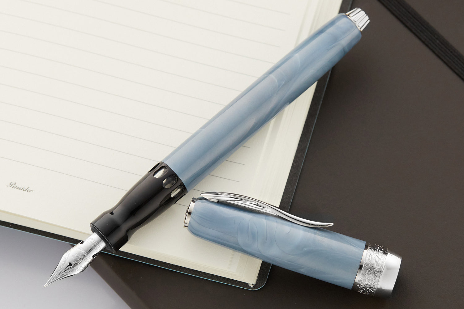 Pineider Full Metal Jacket Fountain Pen - Ash Grey (14kt Piston)