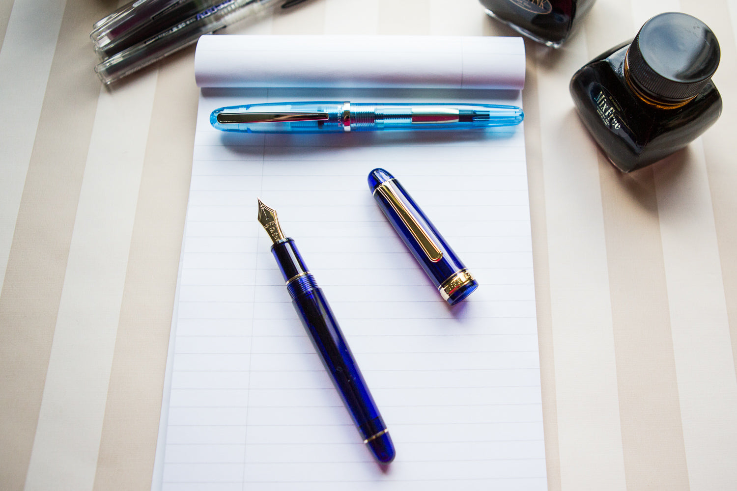 Platinum #3776 Century Fountain Pen - Chartres Blue/Gold