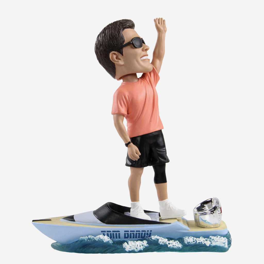 Tom Brady Tampa Bay Buccaneers Goat Boat Thematic Bobblehead FOCO - FOCO.com | UK & IRE