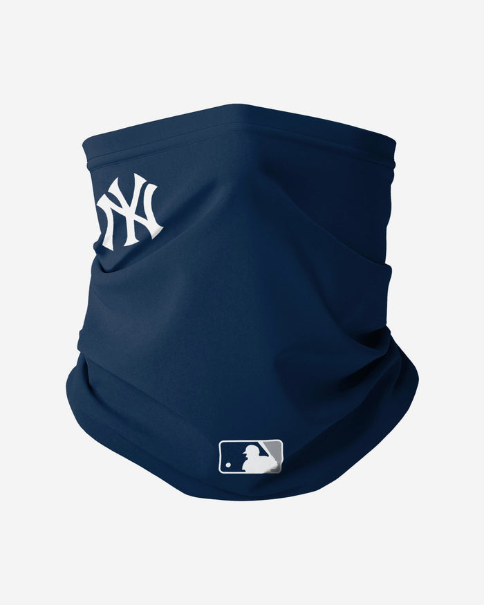 New York Yankees On-Field Gameday Snood Scarf FOCO - FOCO.com | UK & IRE