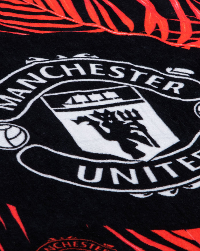 Manchester United FC Leaf Beach Towel FOCO - FOCO.com | UK & IRE