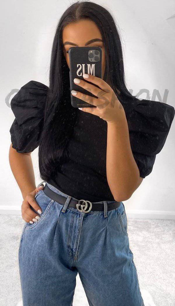Short Sleeved Puff Balloon Top In Black