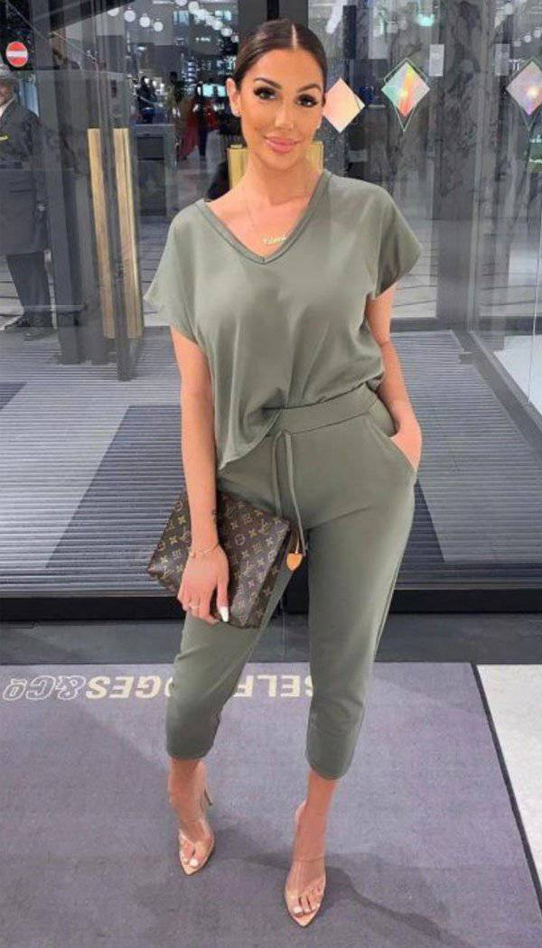 V- Neck Short Sleeved Tracksuit