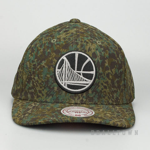 MITCHELL & NESS GOLDEN STATE WARRIORS ABSTRACT CAMO SNAPBACK CAMO