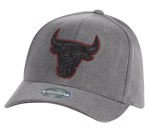 Mitchell & Ness NBA Washed Denim 110 Snapback Chicago Bulls Black