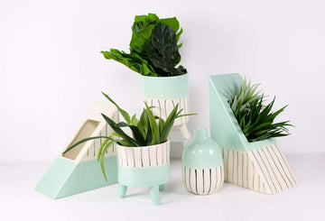 Lilah Planter with Legs Blue Med Folia House