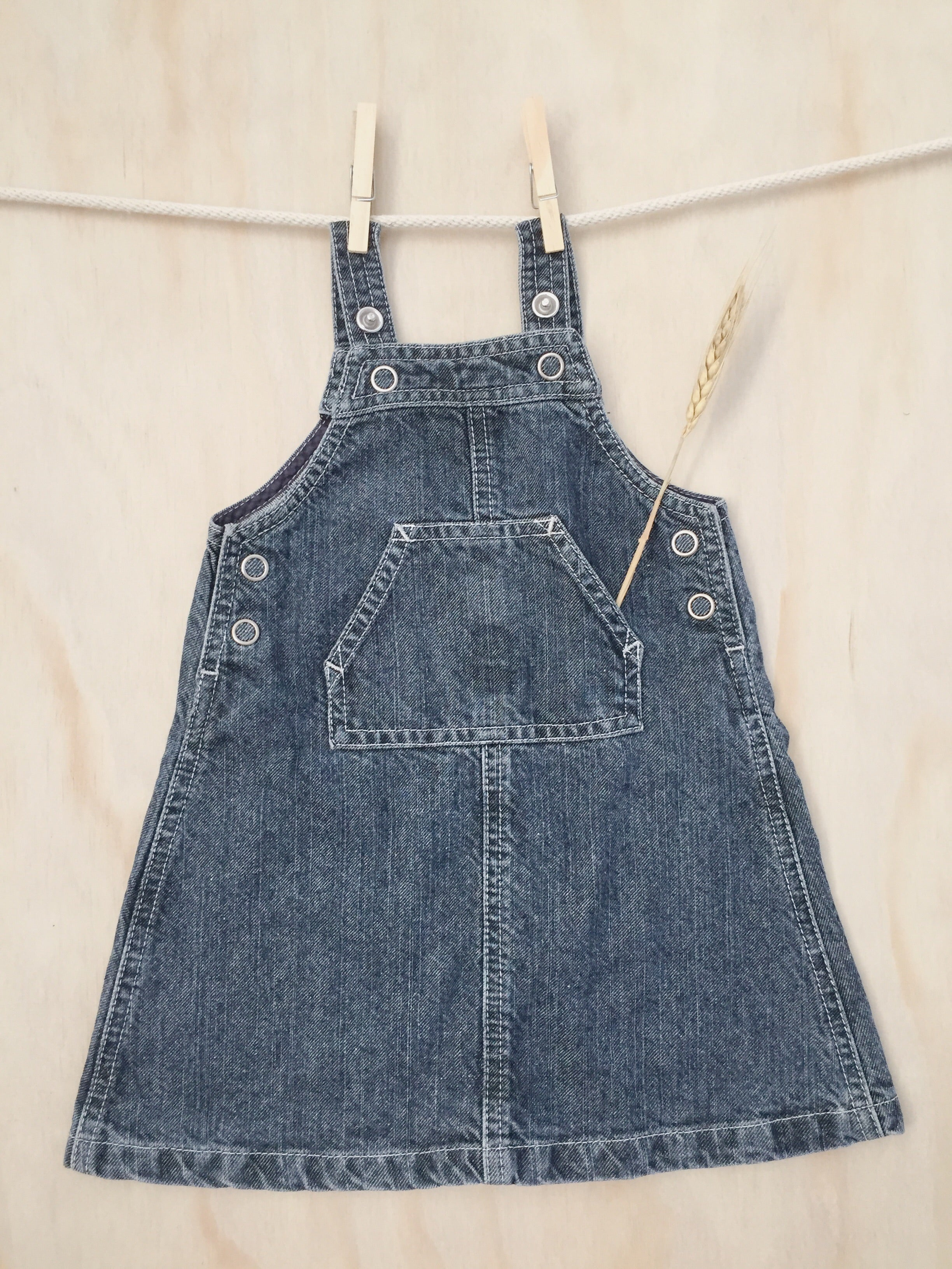 Pre-worn Navy Pinafore — Size 1