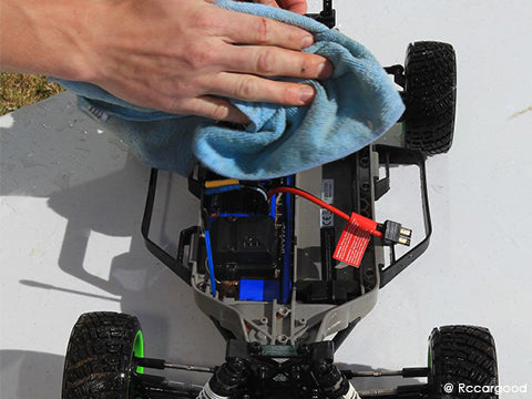 Clean your RC cars