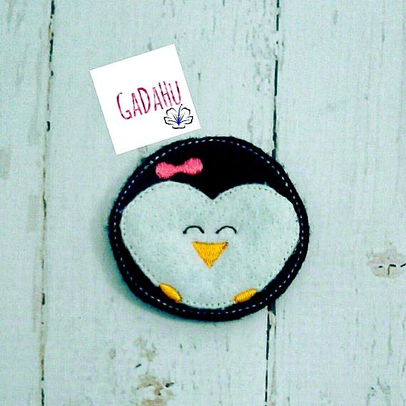 Cute Penguin with Bow feltie. Embroidery Design 4x4 hoop Instant Download. Felties. Animal feltie.