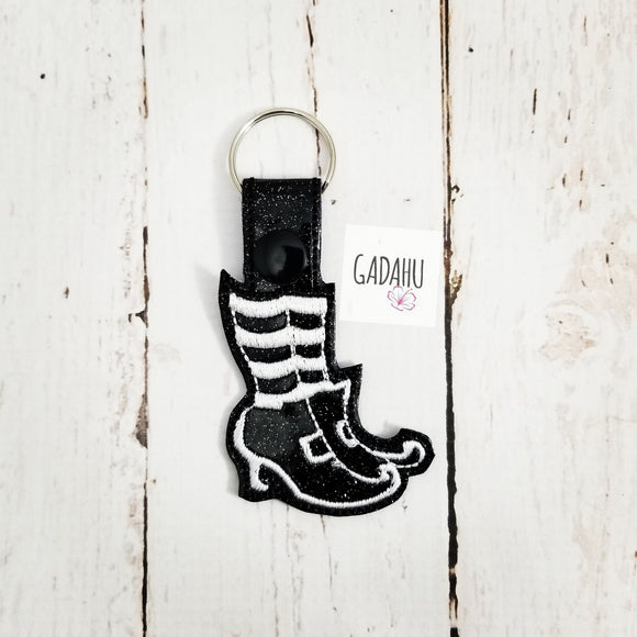 Witch Boots Snap tab Key Fob ITH Embroidery Design file