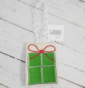 Christmas Gift Ornament Machine Embroidery Design 4X4