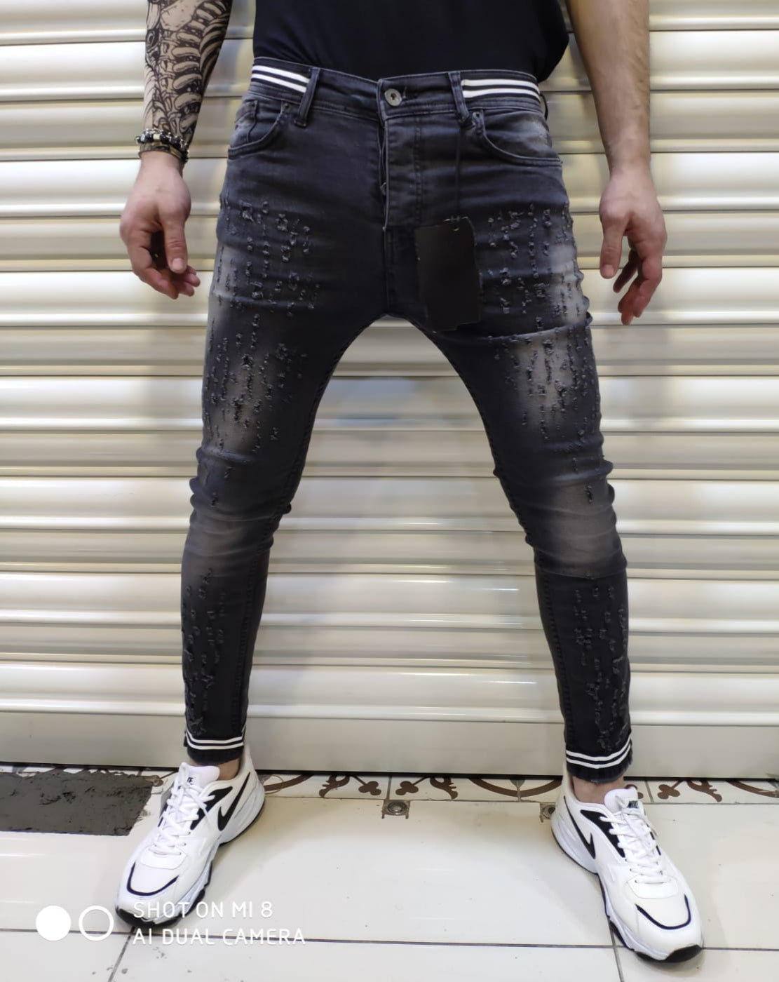 https://groovemanmusic.com/collections/jeans/products/skinny-jeans-black-ripped
