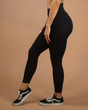 No Seam Leggings (High-Rise)- Black - Equinox Movement