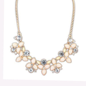 Chic Floral Statement Necklace - 2 Colors