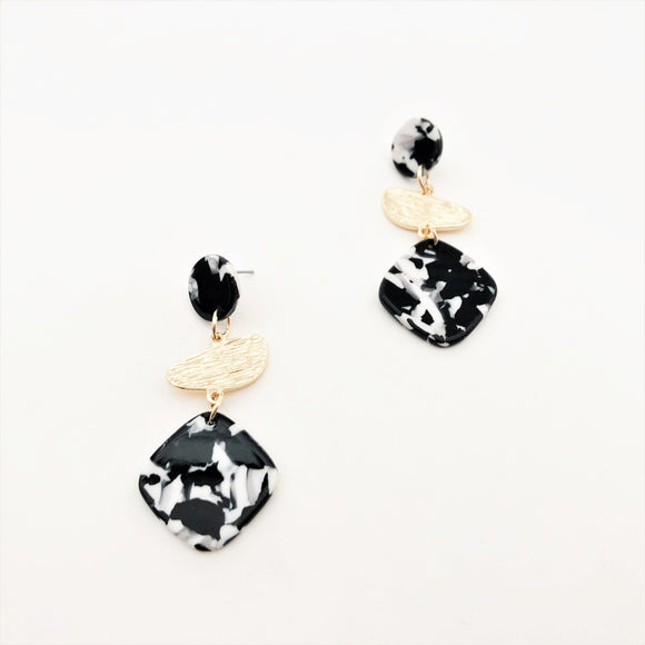 Juliet Metal Resin Shapes Earrings Monochrome/Gold