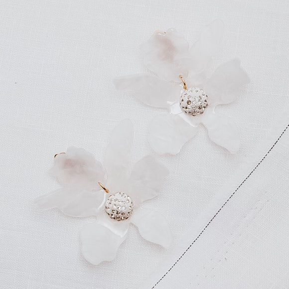 Wilde Bloom Earrings White