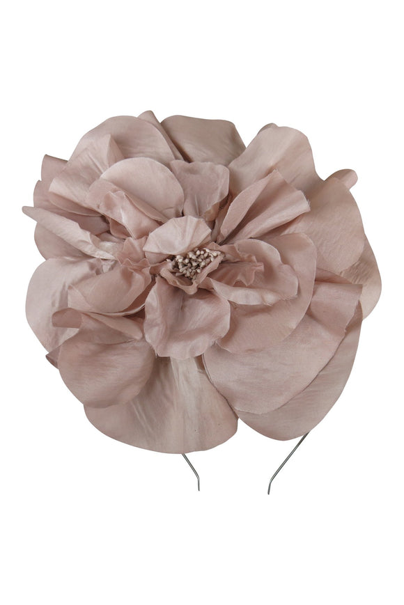 Cindy Fascinator Nude