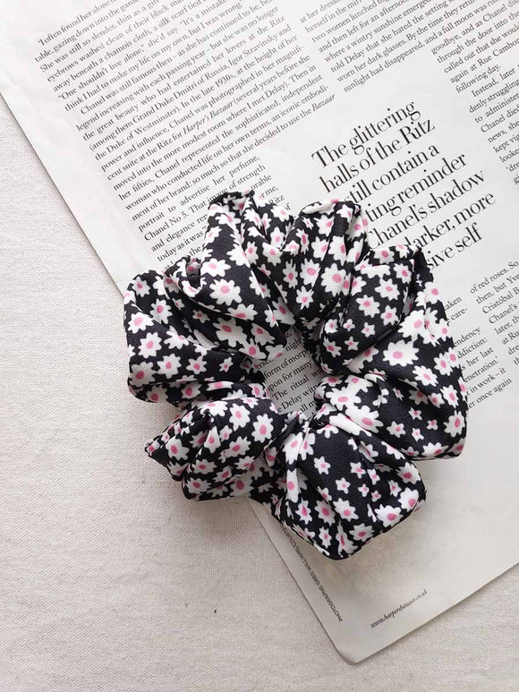 Floral Scrunchie Black