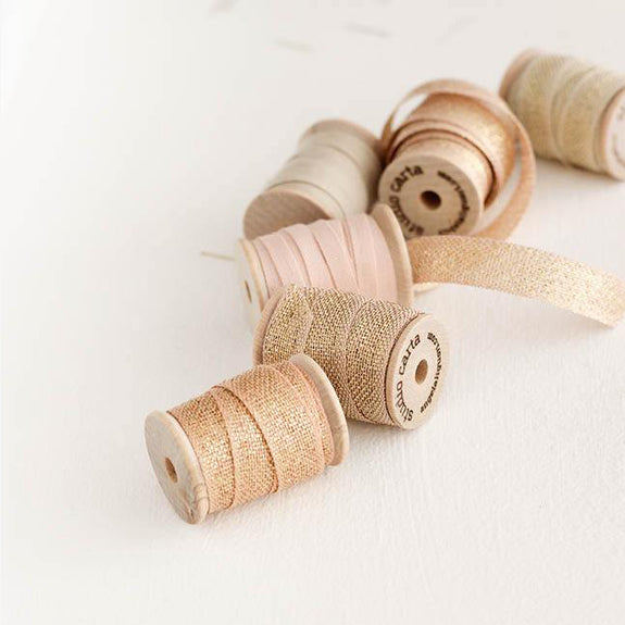 METALLIC LOOSE WEAVE RIBBON | natural & gold