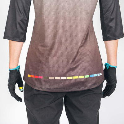 SALE Giro x EWS 3/4 sleeve Stage Riding Jersey - Womens Grey Fade