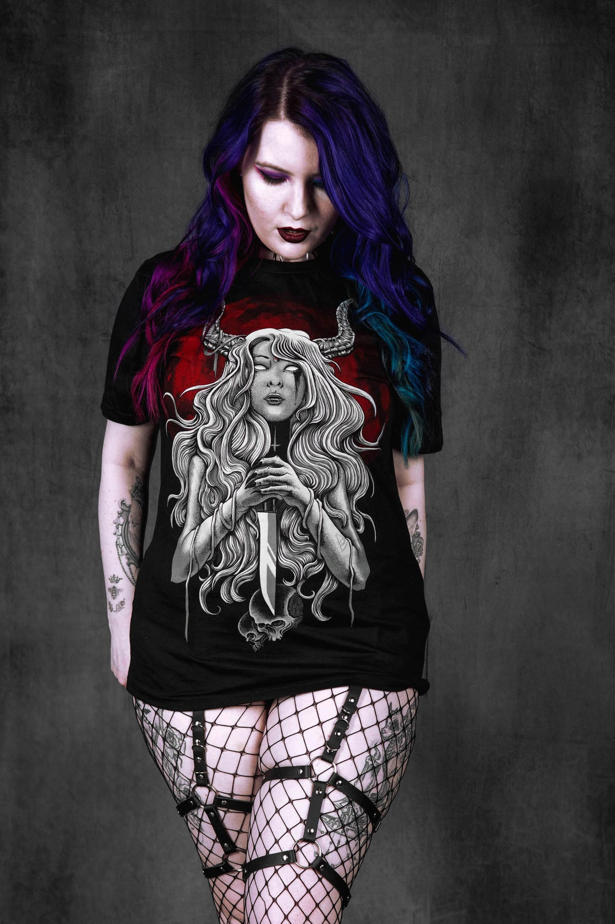 QUEEN OF DARKNESS UNISEX T-SHIRT