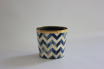 Blue and white brush pot