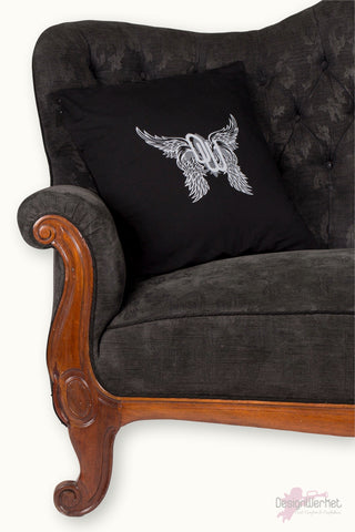 Home BLACK WINGS kuddfodral - DesignWerket