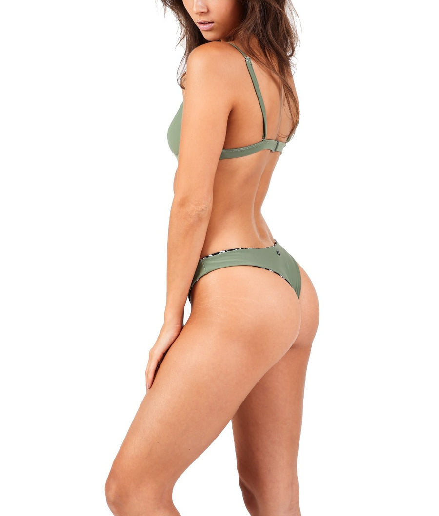 Bala bikini top. Green. Cut-out swimwear.