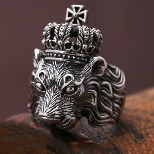 lion ring with crown